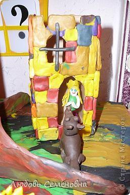 У лукоморья дуб зелёный; Златая цепь на дубе том: И днём и ночью кот учёный Всё ходит по цепи кругом; фото 6