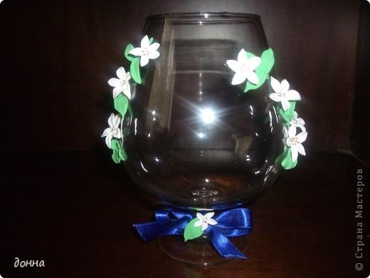 Приветствую всех мастериц! Очень хотелось поделиться умением украсить большой бокал для подарка.Это моя первая работа в этом направлении... фото 4