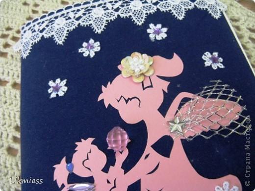 """АНГЕЛ МОЙ, ПОЙДЕМ СО МНОЙ, ТЫ ВПЕРЕДИ, Я ЗА ТОБОЙ. Эта поздравительная открытка для """"многодетной"""" очаровательной и совсем молодой бабушки, у которой внучка и 3 внука, и о которых она трогательно заботится и они для нее ангелы. фото 3"""