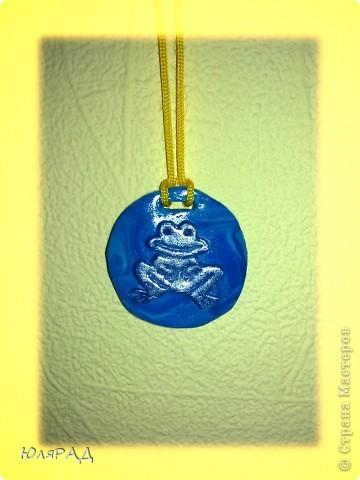 Подвесочка из пластики, лягушонок расскрасила акриловыми красками)))) фото 3