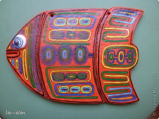 Продолжение темы рыбок-стран. Вдохновением для этой рыбки послужило народное творчество панамского племени индейцев Куна.  фото 2