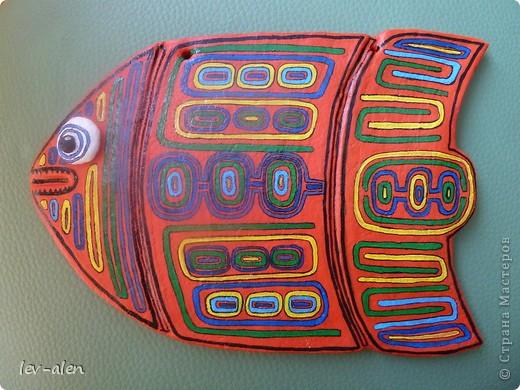 Продолжение темы рыбок-стран. Вдохновением для этой рыбки послужило народное творчество панамского племени индейцев Куна.  фото 3