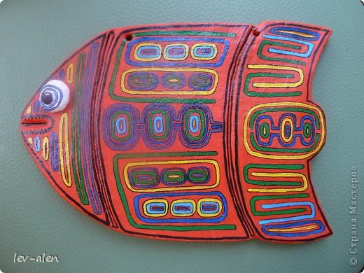 Продолжение темы рыбок-стран. Вдохновением для этой рыбки послужило народное творчество панамского племени индейцев Куна.  фото 5