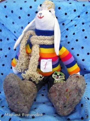 """Каждый год среди учениц 6-х классов провожу конкурс """"Мисс-технология"""". Обычно в номинации """"Мисс-рукодельница"""" девчонки изготавливают куклу http://stranamasterov.ru/node/54424 ,  но в этом году мы не удержались..... и сшили кроликов! Я думаю, что получилось неплохо!!! фото 5"""