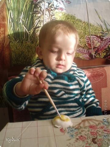 Сегодня мы мастерили из гипса, Игнаша очень заболел, делал пока не было температуры.его любимый друг:)) фото 2