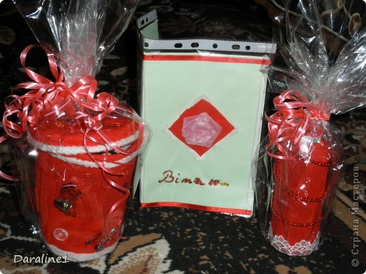 Вот так выглядит весь набор : коробочка для ниток  и пуговиц,открытка,вазочка. фото 1