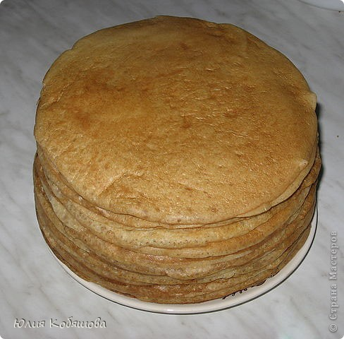 А это мой рецепт оладий : 1 ст. кефира, 4 ст. л. сахара, 1 яйцо, щепотка соды, хорошенько перемешать, добавить 2,5 ст. муки, хорошенько перемешать. Жарить на растительном масле с двух  сторон. фото 2