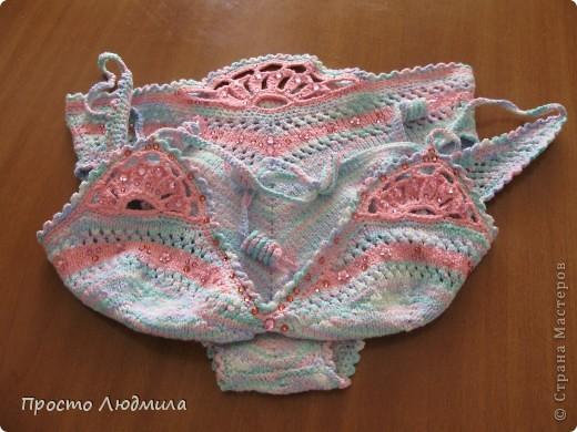 К этому купальнику придумалась отделка розовыми цветочками. фото 1