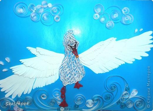 а вот и моя новая работа)) ну как? нравится? решила и я сделать что-нибудь своё)) вот и получился такой белый лебедь...бегущий по волнам из моей фантазии в нашу Страну Мастеров!))))