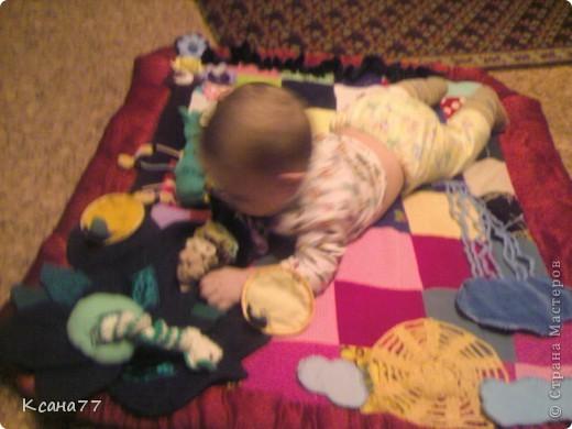 Вот сшила коврик для сынули. На сайте представлено много развивающих ковриков, решила показать свой.  фото 13