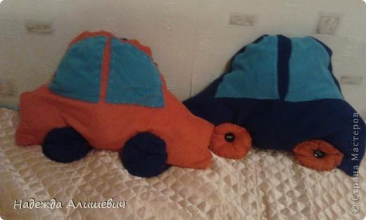 Машинка-подушка фото 1