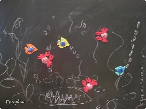 Сегодня мы делали магниты. Жителей водоема, рыбка и краб. фото 4
