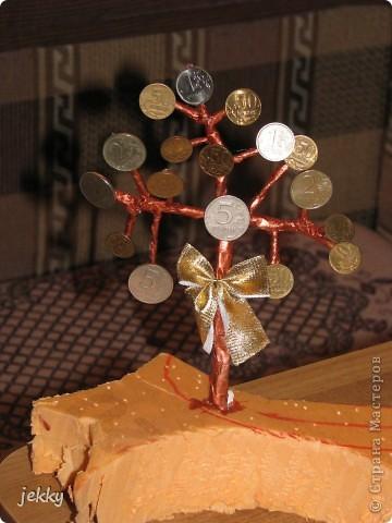В течение двух недель всей семьей делали подарок для крестного папы нашего старшего сына. Практически весь процесс засняли, так что делюсь тем, что есть. фото 16