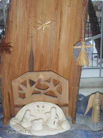 """Хочу поделиться фото репортаж ом с Рождественской ярмарки.. Столько все там было интересного и необычного.  Руками детей было сделано множество поделок.  Такой там был  теплый дух.. Так было приятно там  прибывать.. Ходить по этажам.. Попадать то на корабль """"Гале он"""" то в русскую избу.. фото 8"""