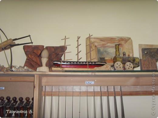 """Хочу поделиться фото репортаж ом с Рождественской ярмарки.. Столько все там было интересного и необычного.  Руками детей было сделано множество поделок.  Такой там был  теплый дух.. Так было приятно там  прибывать.. Ходить по этажам.. Попадать то на корабль """"Гале он"""" то в русскую избу.. фото 11"""