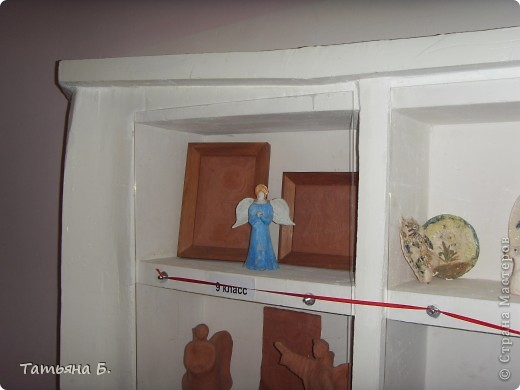 """Хочу поделиться фото репортаж ом с Рождественской ярмарки.. Столько все там было интересного и необычного.  Руками детей было сделано множество поделок.  Такой там был  теплый дух.. Так было приятно там  прибывать.. Ходить по этажам.. Попадать то на корабль """"Гале он"""" то в русскую избу.. фото 61"""