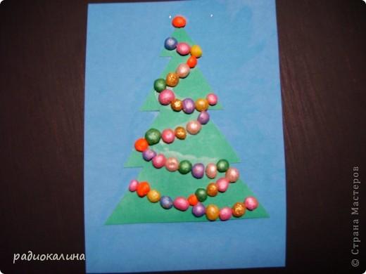 В начале своей работы в новой роли пробовала делать картинки новогодние  из разноцветного гороха. фото 2
