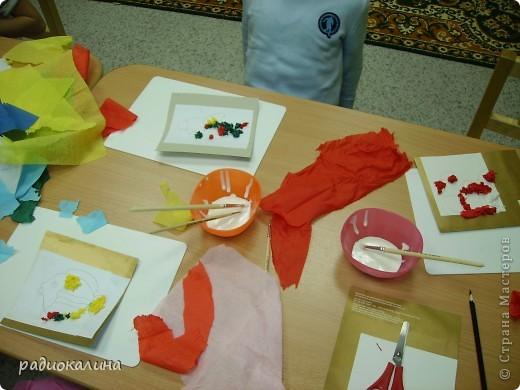 В начале своей работы в новой роли пробовала делать картинки новогодние  из разноцветного гороха. фото 7