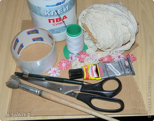 Вот такие шкатулочки можно сделать из бабин от скотча. фото 3