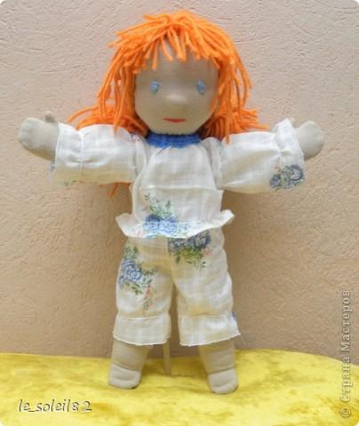 Вальдорфская кукла. Зовут Алиса. Это мой первый опыт в шитье таких кукол.  фото 7