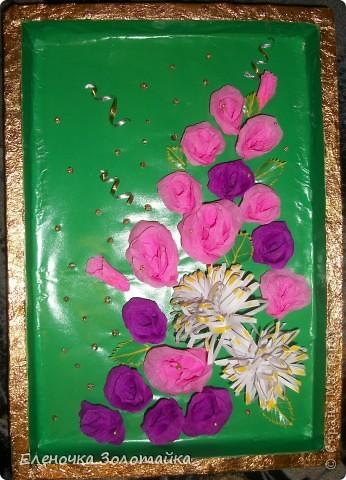 Панно с хризантемами цветы в технике квиллинг, коробка из под конфет в качестве рамки  фото 4
