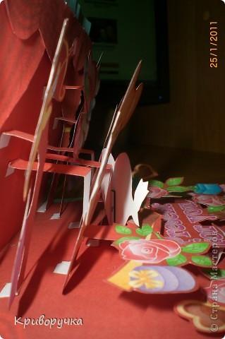 Эта открыточка-детская, сынок попросил сделать ему, для девочки... Это первый год, когда он дарит кому то Валентинку (ему только 11 скоро будет!) Она маленькая 9,5 на 5 см. фото 5