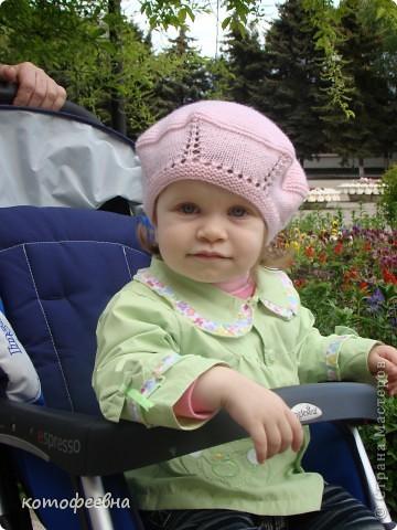 связалась такая береточка для любимой доченьки фото 4