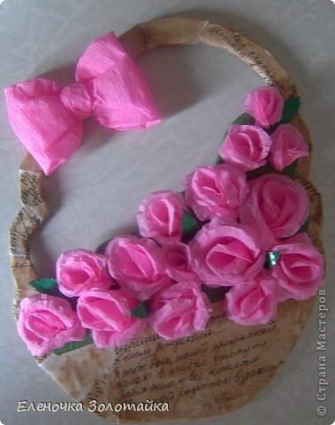 Панно с хризантемами цветы в технике квиллинг, коробка из под конфет в качестве рамки  фото 3