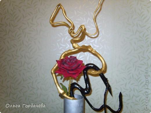 Композиция с розой и корягами фото 4