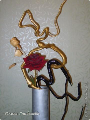 Композиция с розой и корягами фото 3