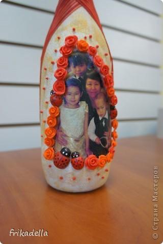 Так как в настоящее время я очень плотно увлеклась декором бутылочек, то и на ДР своей свекрови будет подобный подарок:)) фото 2