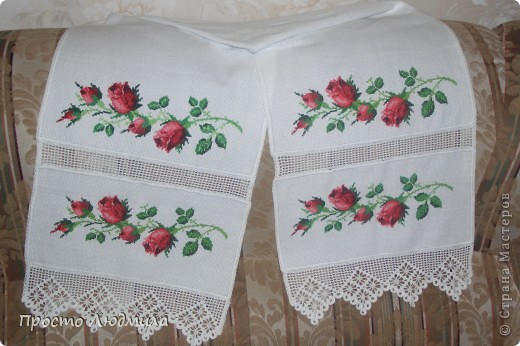 На свадьбу дочери традиционно вышивался рушник под каравай. фото 2
