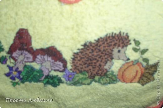 Понравился рисунок, пришила к полотенцу канву для продергивания, раз - и готово фото 2