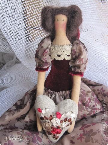 Куколка около 33 см. Ткань окрашена кофе. Сердечко наполнено молотым кофе, запах замечательный. Утренний и бодрящий.  фото 2