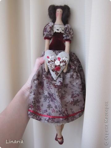 Куколка около 33 см. Ткань окрашена кофе. Сердечко наполнено молотым кофе, запах замечательный. Утренний и бодрящий.  фото 4