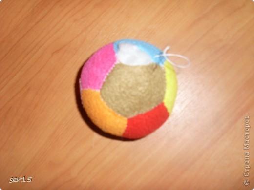 Я решил вам показать Мк на киндер-сюрприз или просто на маленький мячик. Ну если сказать по настоящему то это не обыкновенный мяч. У него есть функция погремушки. И как это сделать я сейчас покажу. фото 10