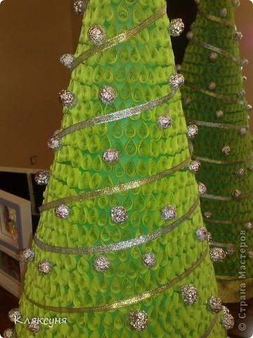 Эту елку я сделала на конкурс елок в школе. Она заняла первое место. фото 3