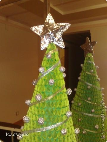 Эту елку я сделала на конкурс елок в школе. Она заняла первое место. фото 2