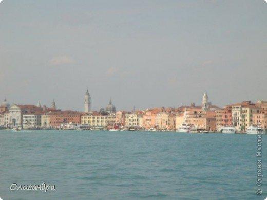 Мы едем в Венецию. Это была моя мечта ,я думала,что несбыточная... На этом катере  домчались туда за 20 минут и 7,5 евро... фото 2