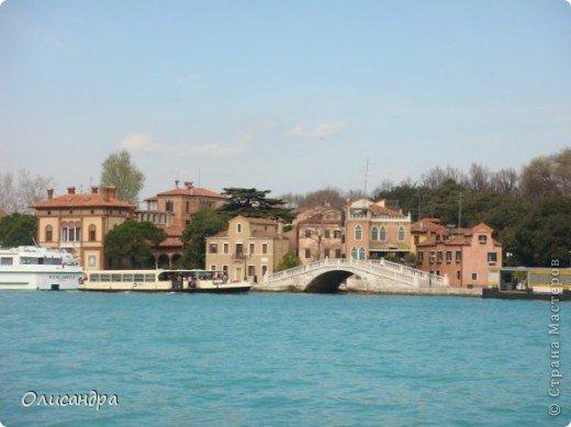 Мы едем в Венецию. Это была моя мечта ,я думала,что несбыточная... На этом катере  домчались туда за 20 минут и 7,5 евро... фото 3