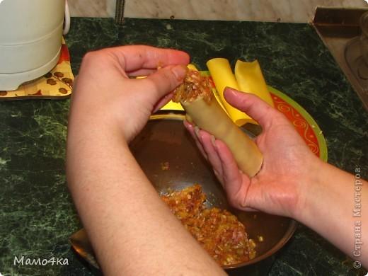 """Решилась опубликовать свой """"шедеврский рецепт"""", как говорит мой сын, и рассказать вам, дорогие мастерицы, рецепт приготовления итальянского блюда """"Канелоне с мясной начинкой"""".  Немного из официального: КАНЕЛОНЕ — разновидность итальянской пасты, короткие и толстые макароны, которые фаршируют разнообразными начинками. В состав фарша может входить мясо с овощами и специями, грибы, сыр и т.д. Запекают канелоне в форме, залив соусом, а сверху посыпают тёртым сыром. фото 24"""