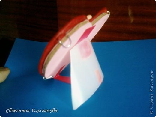 Рамочка из полимерной глины. Украшала декоративным клеем с блестками. фото 3