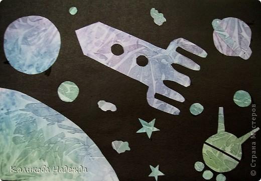 """После """"второго полета"""" решила показать детям способ окрашивания бумаги с помощью пакета. Просто потрясающий эффект! У детей столько радости и восторга было  от полученных результатов! Спасибо Татьяне Николаевне за МК!!! фото 10"""