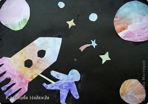 """После """"второго полета"""" решила показать детям способ окрашивания бумаги с помощью пакета. Просто потрясающий эффект! У детей столько радости и восторга было  от полученных результатов! Спасибо Татьяне Николаевне за МК!!! фото 12"""