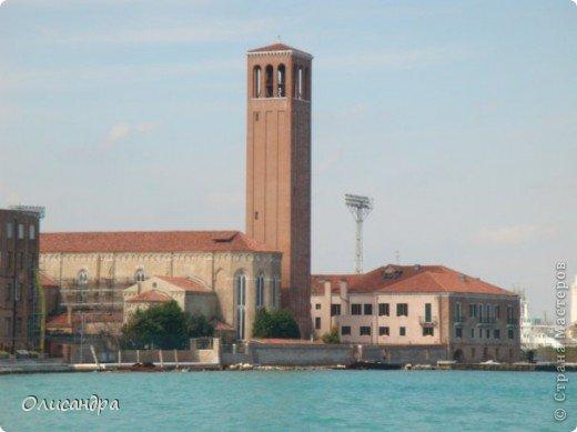 Мы едем в Венецию. Это была моя мечта ,я думала,что несбыточная... На этом катере  домчались туда за 20 минут и 7,5 евро... фото 4