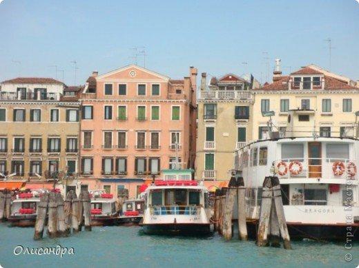 Мы едем в Венецию. Это была моя мечта ,я думала,что несбыточная... На этом катере  домчались туда за 20 минут и 7,5 евро... фото 5