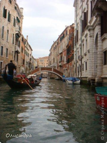 Мы едем в Венецию. Это была моя мечта ,я думала,что несбыточная... На этом катере  домчались туда за 20 минут и 7,5 евро... фото 14