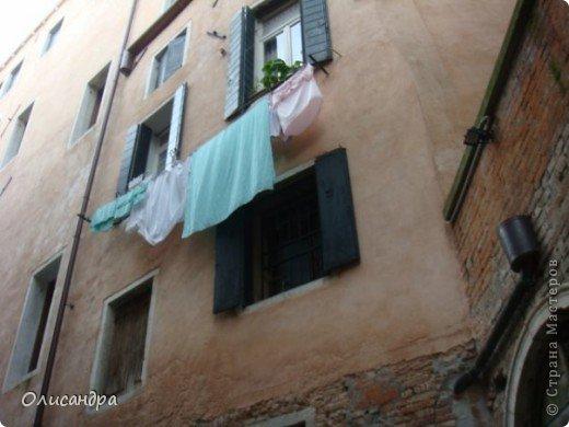 Мы едем в Венецию. Это была моя мечта ,я думала,что несбыточная... На этом катере  домчались туда за 20 минут и 7,5 евро... фото 13