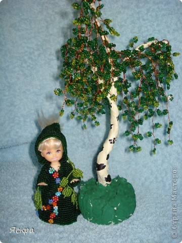 Девочка-лесовичок у березки