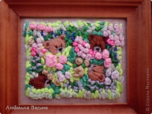 """""""В цветнике"""". Вышивки выполнены дочерью. Мишки и птички вышиты гладью. фото 1"""